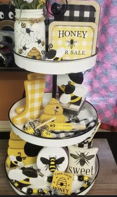 Bee Crafts, Easter Crafts, Decor Crafts, Wood Block Crafts, Tray Styling, Bee Hives, Tier Tray, Tiered Stand, Dollar Tree Crafts