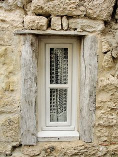 fairything:  Creamy Window