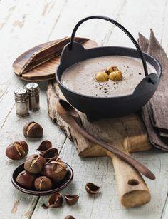 Soupe de châtaignesRetrouvez la recette de la soupe de châtaignes.Conseil minceur : on privilégie le beurre allégé et la crème à 15 % M.G. En dessert, on opte pour des agrumes (clémentines, orange, pamplemousse), riches en vitamine C.Recette issue de l'ouvrage Cures de soupes santé-détox, Dr. Sophie Ortega, éd. Leduc. S.