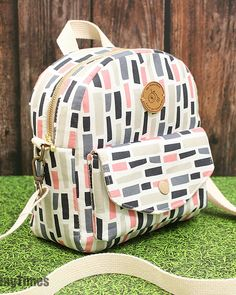 Diy Sewing Projects, Sewing Tutorials, Tote Bag Tutorials, Sewing Crafts, Diy Bags Tutorial, Diy Crafts, Sewing Diy, Sewing Ideas, Mochila Tutorial