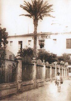 Pati del antic Hospital, avui plaça de les Aules