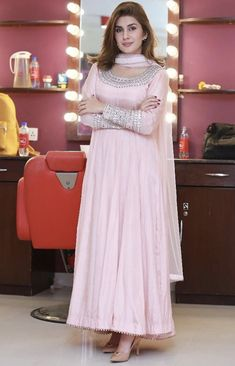 Beautiful Pakistani Dresses, Pakistani Dresses Casual, Indian Gowns Dresses, Pakistani Dress Design, Pakistani Frocks, Shadi Dresses, Pakistani Actress, Dresses Dresses, Long Dresses