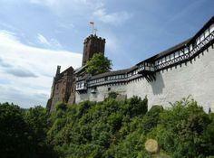Фрагмент замка Вартбург в Германии.