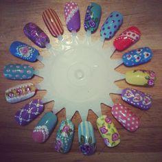 Vintage floral nail art wheel