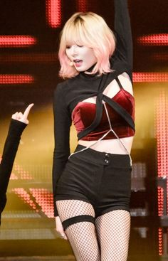 4Minute HyunA @ YTMA Come visit kpopcity.net for the largest discount fashion…