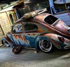 Slammed Vw beetle #volkswagenbeetlecustom Volkswagen New Beetle, Volkswagen Golf, Supercars, Vw Rat Rod, Old Bug, Rat Look, Vw Classic, Vw Cars, Bugs