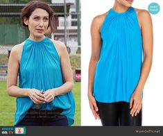 Abby's turquoise blue gathered top on Girlfriends Guide to Divorce.  Outfit Details: https://wornontv.net/64873/ #GG2D