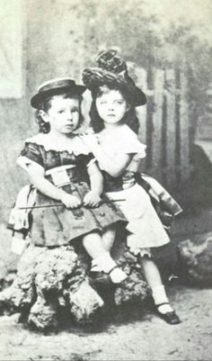 The little Vetsera sisters: Hanna (left) and Mary