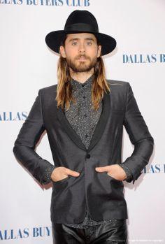 Dallas Buyers Club UK Premiere w/ Matthew McConaughey.- 29-01-2014 (via http://jaredleto.com/thisiswhoireallyam/2014/01/29/dallas-buyers-club-uk-premiere-w-matthew-mcconaughey/