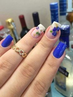 30 Cool and Easy Halloween nail art designs for Women img 6 Gorgeous Nails, Beautiful Nail Art, Cute Nails, Pretty Nails, Floral Nail Art, Halloween Nail Art, Easy Halloween, Flower Nails, Creative Nails