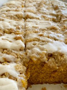Moist and tender pumpkin cake loaded with warm pumpkin spices and topped with a sweet cinnamon & brown sugar streusel. Mix up a simple vanilla glaze to drizzle over the top. This streusel pumpkin cake is the best Fall pumpkin dessert recipe! Pumpkin Cake Recipes, Pumpkin Dessert, Pumpkin Cheesecake, Pumpkin Dishes, Pumpkin Bars, Banana Recipes, Pumpkin Spice, Cinnamon Streusel Cake, Streusel Coffee Cake