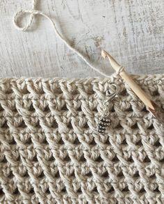 Little Boheme Bag – Knitting For Beginners Tunisian Crochet, Learn To Crochet, Crochet Motif, Hand Crochet, Crochet Hooks, Crochet Stitches Patterns, Crochet Patterns For Beginners, Knitting For Beginners, Stitch Patterns