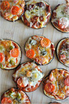 Mini-pizzas de beringela - http://gostinhos.com/mini-pizzas-de-beringela/