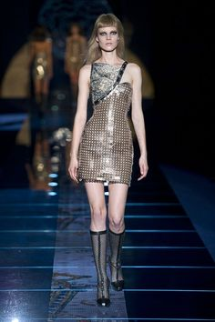 Versace fall winter 2012! This dress is hardcore!!:)