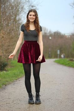 polka dot tee with the long red skirt I just got? Girls In Mini Skirts, Red Skirts, Cute Skirts, Fashion Tights, Skirt Fashion, Fashion Outfits, Skirt Outfits, Casual Outfits, Cute Outfits