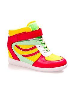 Buty sportowe na koturnie w sklepie internetowym Kari.com. W ofercie posiadamy produkt: Buty sportowe na koturnie Darmowa wysyła, możliwość zwrotu, najnowsze trendy. Sprawdź nasz promocje.