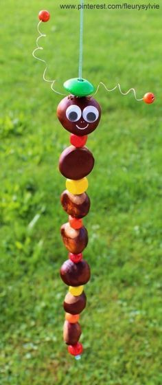 Kastanienmännchen and Co. - Autumn decoration made with chestnuts and nuts - DIY Bastelideen - Basteln Autumn Crafts, Fall Crafts For Kids, Nature Crafts, Diy For Kids, Fun Crafts, Diy And Crafts, Arts And Crafts, Children Crafts, Diy Pour Enfants