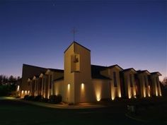 Warm-toned highlights to highlight the exterior of this beautiful church Highlights, Yard, Exterior, Lighting, Building, Travel, Beautiful, Construction, Voyage