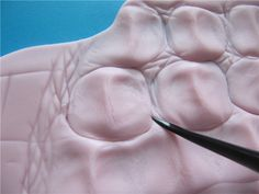 How to get crocodile skin effect - tutorial is for cake fondant but can be…