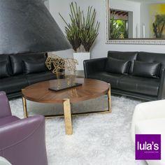Uno de los espacios que más disfrutamos es la sala. Elige muebles cómodos y coherentes con el espacio que dispones.