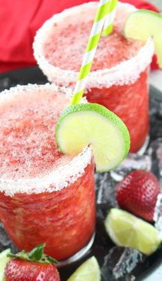 Non-Alcoholic Frozen Strawberry Margarita - Mom Endeavors Non Alcoholic Margarita, Margarita Punch, Non Alcoholic Cocktails, Margarita Recipes, Strawberry Punch Recipes, Frozen Strawberry Margarita, Drink Recipes Nonalcoholic, Yummy Drinks, Cocktail Recipes