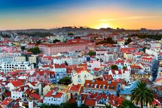 Lisbon is one of the fastest growing cities in Europe (in terms of visitor numbers) - with good reason too!    With an incredible history, vibrant neighbourhoods and enough lip-licking grub to discover, it's a city that