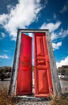 TRAVEL'IN GREECE | Red door standing in the middle of no where at Santorini, #South_Aegean, #Greece, #travelingreece