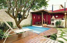seriously, we could do this Truques para ter uma piscina em casa Backyard Pergola, Backyard Landscaping, Pergola Ideas, Patio Chico, Mini Pool, House Deck, Outdoor Spaces, Outdoor Decor, Small Pools
