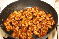 A quick and easy recipe for Southwest Shrimp Salad with Spicy Honey-Lime Dressing. A healthy game day recipe. Meat Recipes, Seafood Recipes, Salad Recipes, Cooking Recipes, Healthy Recipes, Healthy Dinners, Recipies, Dinner Recipes, Vinaigrette
