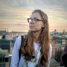 Girls With Glasses, Nice, Health, Fashion, Eyeglasses, Moda, Health Care, Fashion Styles, Nice France