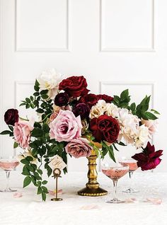 A perfect combination! #roses #wedding #marsalacolor