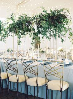 Magical table: http://www.stylemepretty.com/2015/08/19/elegant-blue-nashville-wedding-2/ | Photography: Jessica Lorren - http://www.jessicalorren.com/