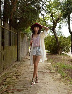 Look com quimono customizado e shorts jeans - Blog Ela Inspira / http://www.elainspira.com.br/quimono-reloaded/