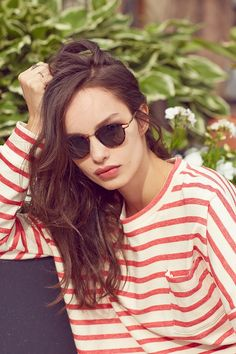 Lydia Petite Round Sunglasses - Urban Outfitters