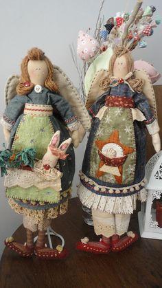 at the garden July Crafts, Patriotic Crafts, Christmas Angel Crafts, Hot Dog Bar, Easter Parade, Doll Painting, Doll Quilt, Primitive Folk Art, Monster High Dolls