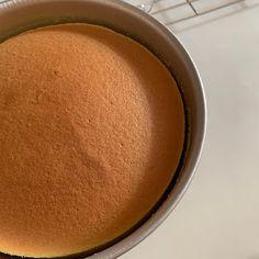 My Mind Patch: Japanese Velvety Cheesecake 日式轻乳酪蛋糕 Japanese Cotton Cheesecake, Japanese Cheesecake Recipes, Bread Recipes, Baking Recipes, Persimmon Recipes, Japanese Cake, Smooth Face, Food Cakes, No Bake Desserts