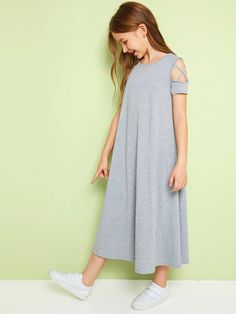 To find out about the Girls Criss-cross Cold Shoulder Heather Gray Trapeze Dress at SHEIN, part of our latest Girls Dresses ready to shop online today! Teenage Girl Outfits, Girls Fashion Clothes, Dresses Kids Girl, Kids Outfits Girls, Cute Girl Outfits, Teen Fashion, Cute Dresses, Cool Outfits, Fashion Outfits