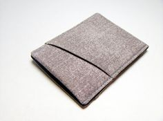 Hey, I found this really awesome Etsy listing at http://www.etsy.com/listing/100244959/new-style-mens-wallet-thin-and-sleek