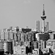 It All Appeals to Me: Beautiful Pictures of Beautiful Places Madrid Skyline, Madrid City, Italy Tourist Attractions, Pictures Of Beautiful Places, Madrid Travel, Spain Travel, Beautiful World, Scenery, Travelling