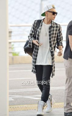 Tao @ Incheon International Airport on the way to The 12th Korea Times Music Festival in LA 140501