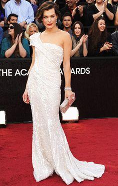 Milla's wavy bob - Oscars 2012