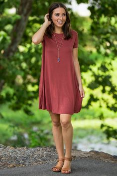 The Perfect Piko Short Sleeve Swing Dress-Rust – Simply Dixie Boutique Casual Outfits For Moms, Summer Dress Outfits, Casual Dresses, Fashion Dresses, Denim And Lace, Everyday Dresses, Swing Dress, Trending Outfits, Womens Fashion