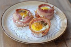Bacon Baked Eggs | 31 Delicious Low-Carb Breakfasts For A Healthy New Year