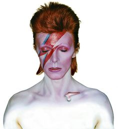 ClashMusic: Classic Album, Recorded in London and New York in 1973 to a backdrop of infidelity and egotism, 'Aladdin Sane' saw David Bowie break from musical convention and transcend Glam Rock, the movement he had spawned. Aladdin Sane, Brian Duffy, Greatest Album Covers, Iconic Album Covers, Bowie Ziggy Stardust, David Bowie Ziggy, Mick Jagger, Glam Rock, Bob Dylan
