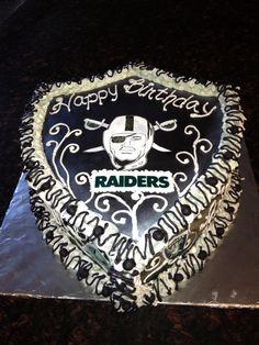 Michelle, for reals, pleeeeeeeease make me my Raiders Cake!
