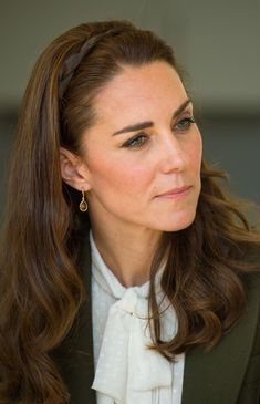 Kate Middleton Photos Photos - Catherine, Duchess of Cambridge arrives to officially open the new Haida Gwaii Hospital on September 30, 2016 in Haida Gwaii, Canada. Prince William, Duke of Cambridge, Catherine, Duchess of Cambridge, Prince George and Princess Charlotte are visiting Canada as part of an eight day visit to the country taking in areas such as Bella Bella, Whitehorse and Kelowna. - 2016 Royal Tour to Canada of the Duke and Duchess of Cambridge - Haida Gwaii, British Columbia