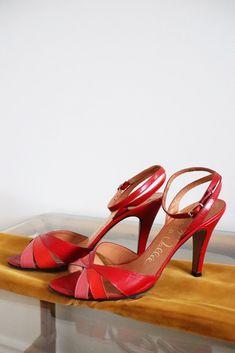 La Vallée Red Sandal Pumps Red Sandals, Vintage 70s, Pumps, Green, Leather, Accessories, Shoes, Fashion, Moda