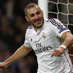 Bandar Bola Madrid VS Dortmund – Berita terbaru datang dari penyerang utama Real Madrid, Karim Benzema yang tengah hangat dibicarakan pada bursa transfer musim panas 2015 ini.