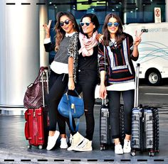 The latest news on Shopping is on POPSUGAR Fashion. On POPSUGAR Fashion you will find news on fashion, style and Shopping. Look Fashion, Fashion Photo, Womens Fashion, Airplane Outfits, Airport Style, Airport Fashion, Airport Travel Outfits, Look Chic, Travel Style
