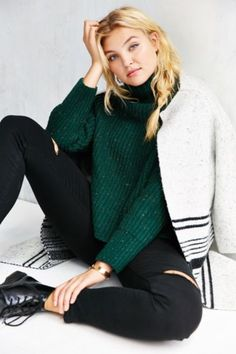 Silence + Noise Abigail Turtleneck Sweater - Urban Outfitters
